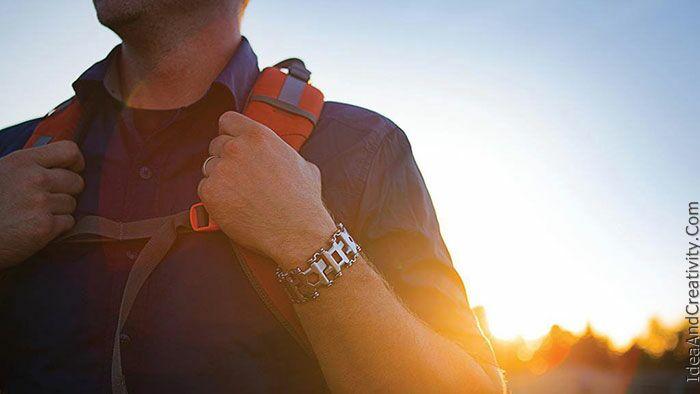 دستبند با 25 ابزار متفاوت