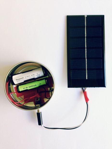 به همین راحتی صاحب یک شارژر باتری شدید که از برق هم استفاده نمیکند!
