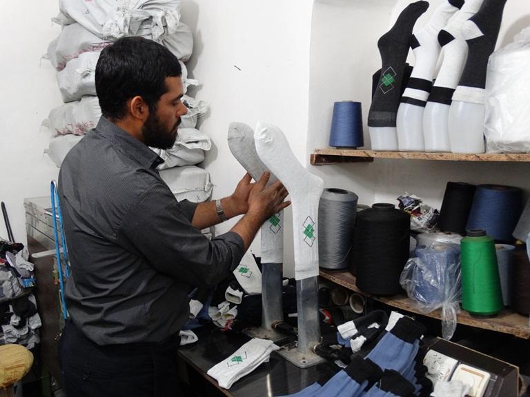 راه اندازی کارگاه جوراب بافی و درآمد ۳۰ تا ۲۵۰ میلیونی