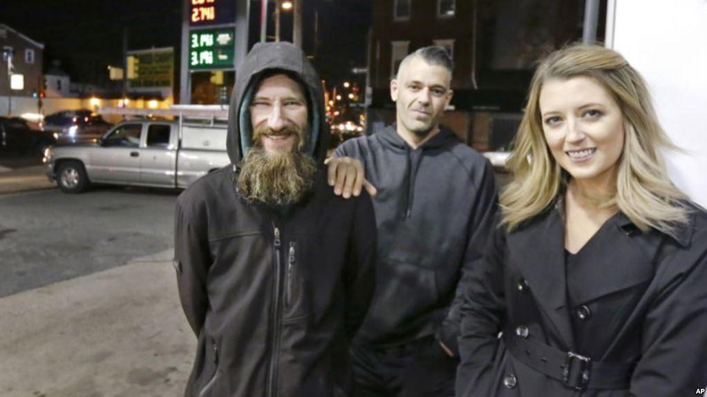 ابتکار یک زن اهل نیوجرسی؛ جبران محبت مرد بیخانمان با ۲۵۰ هزار دلار پول نقد