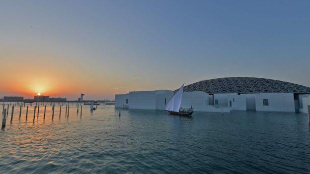 موزه لوور ابوظبی بعد از ده سال کار افتتاح شد