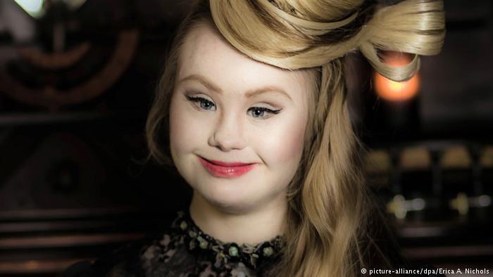موفق در صحنه مد: مادلین استوارت، مدل بلژیکی. عکس از اریکا آ. نیکلاس. خبرگزاری آلمان