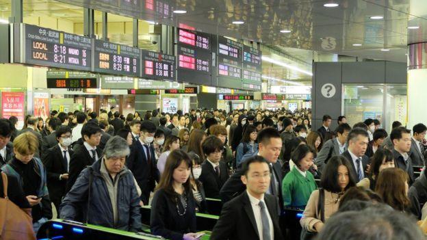 ژاپن در میان کشورهای توسعه یافته دارای طولانی ترین ساعت کاری است